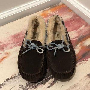 UGG Dakota moccasin dark brown blue lace size 7